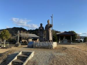 源頼朝と北条政子の銅像